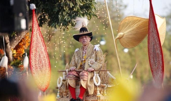 هروب الملك التايلاندي الى ألمانيا خوفاً من كورونا