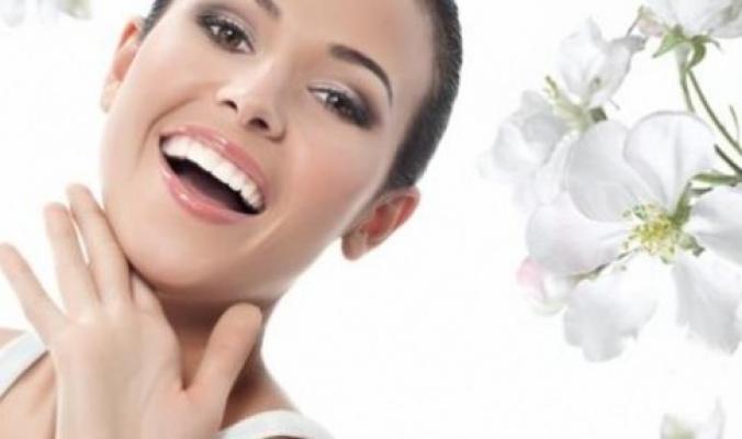 دراسة: تبييض الأسنان لا يؤثر على طبقة الأمينا
