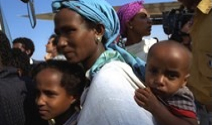 اسرائيل تجلبُ ايدٍ عاملة اثيوبية محل الفلسطينية