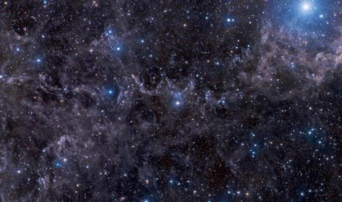 نجوم في سماء مغبرة