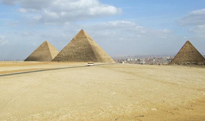"""بالفيديو.. """"اكتشاف مثير"""" عمره 4000 سنة يخبئه أحد عجائب الدنيا السبع"""
