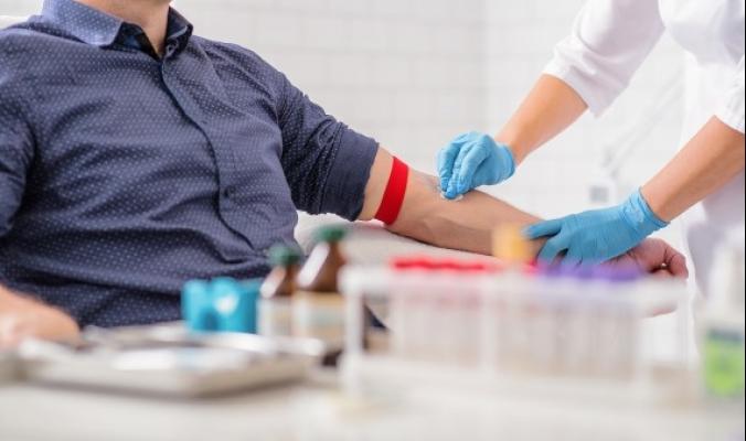 تبرعك بالدم ينقذ مئات الأشخاص.. معلومات قد لا تعرفها عن شروط التبرع