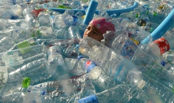 نبتلع سنويا 250 غراما من البلاستيك دون أن ندري