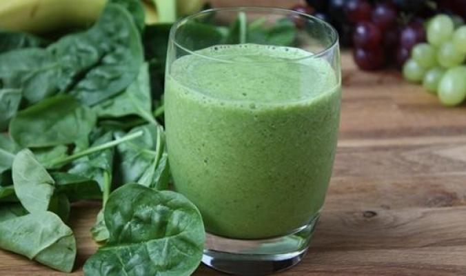 5 فوائد صحية رائعة لعصير السبانخ