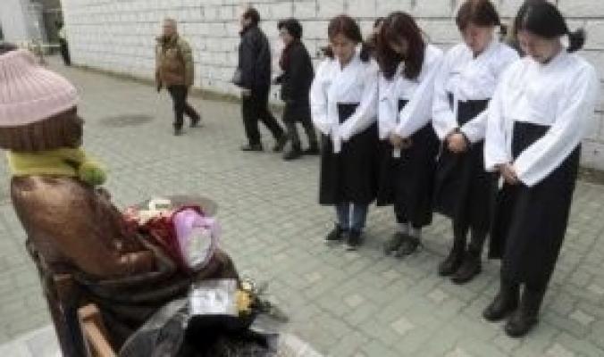 """من هن """"نساء الراحة"""" الذي أحرق الراهب البوذي نفسه من أجلهن؟"""