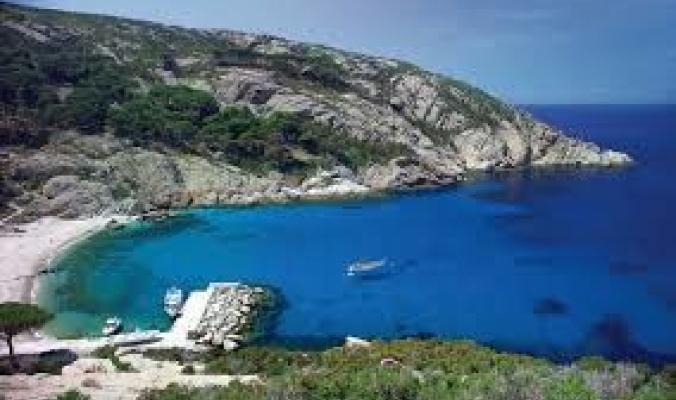 تعرف على الجزيرة الإيطالية الشهيرة التي تتطلب زيارتها التقدم بطلب والانتظار لسنوات