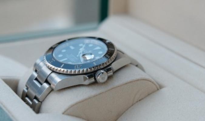 feb05f21b لماذا يصل سعر ساعة Rolex إلى 10 آلاف دولار.. ماركة تاريخها مليء بالقصص  المثيرة