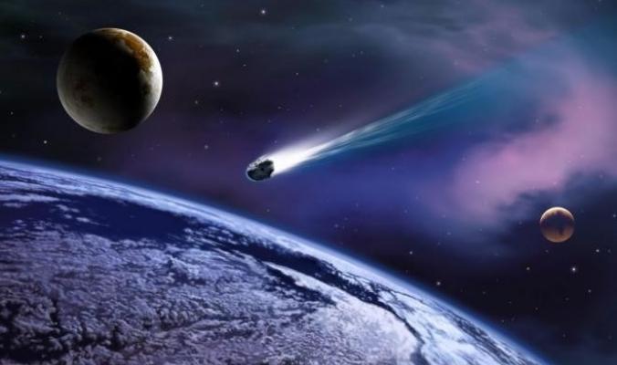 لحظة اختراق نيزك متوهج للغلاف الجوي وسقوطه على الأرض (فيديو وصور)