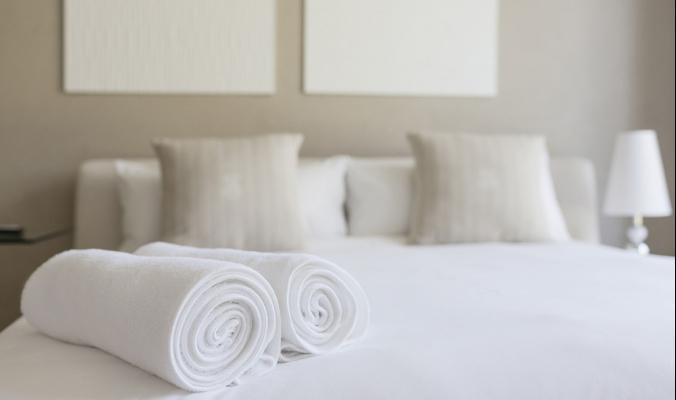 ماذا يمكن ان تاخذ من غرفة الفندق؟؟