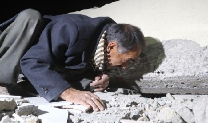 ارتفاع حصيلة زلزال العراق وإيران.. مئات القتلى والجرحى في هزة أرضية قوية دمرت مباني وشردت الأهالي