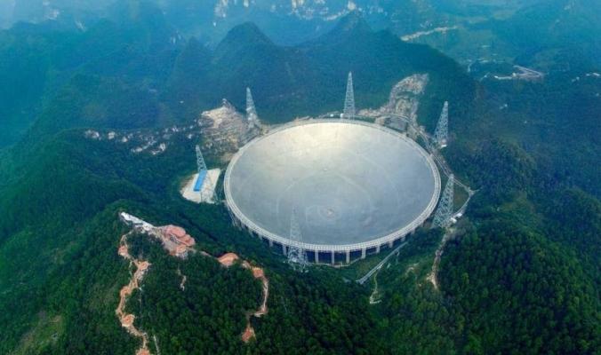 تلسكوب الصين العملاق يبدأ البحث عن حياة خارج الأرض