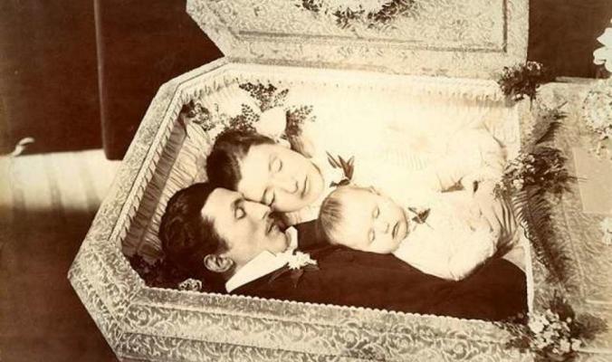 لماذا كان الناس في العصر الفيكتوري يلتقطون صورا لأحبائهم مباشرة بعد رحيلهم؟