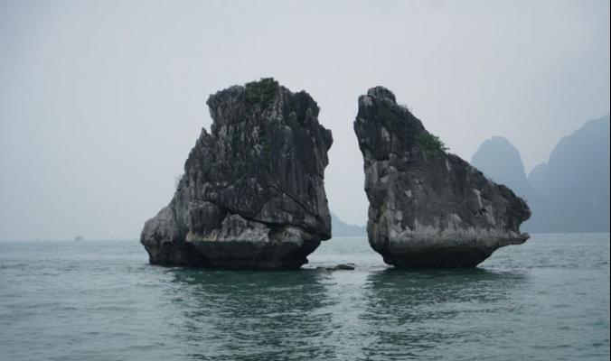 «خليج ها لونج» تحفة طبيعية تشكلت خلال 500 مليون عام