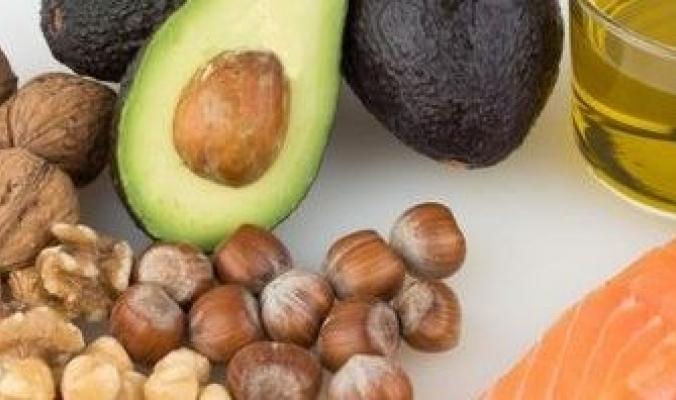 ما الفرق بين الدهون المشبعة والدهون غير المشبعة؟