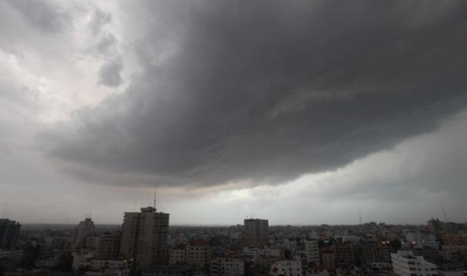 الحالة الجوية المتوقعة وحيثيات المنخفض الجوي الجديد في الساعات القادمة