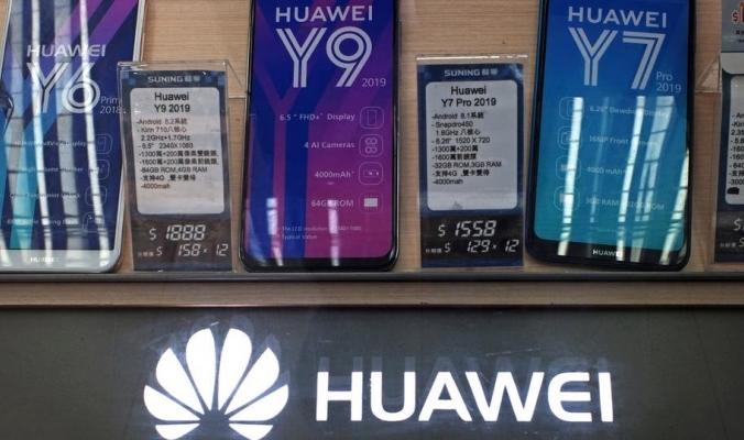 """""""هواوي"""" تشحن مليون هاتف لاختبار نظام التشغيل المطور ذاتيا"""