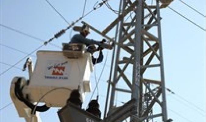 الاحتلال يخطّط لقطع الكهرباء عن مناطق في الضفة الغربية