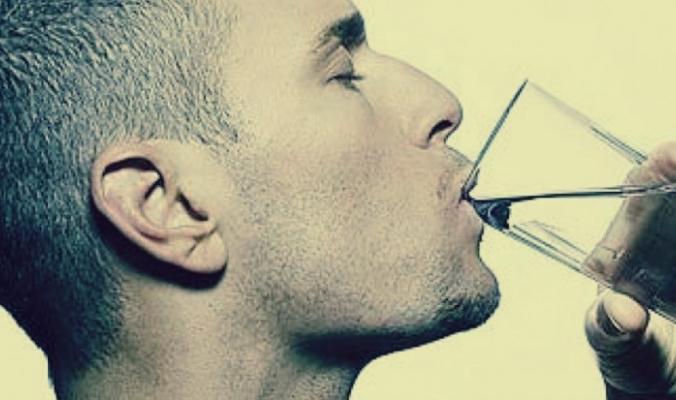 5 أطعمة ومشروبات يحذر منها خبراء التغذية: يزعم أصحاب الشركات أنها «صحية»