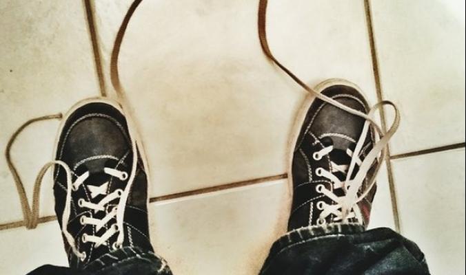 أخيراً.. حل نهائي لمشكلة ربط الأحذية!