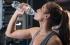 قوارير المياه البلاستيكية خطر علينا.. كيف يمكن أن نستبدلها؟