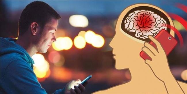 هل إشعاع الهواتف المحمولة يسبب الموت ؟ دراسة تجيب