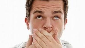 تعرف على الأغذية التي تجنبك رائحة الفم الكريهة
