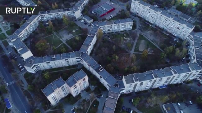 بالفيديو... تعرف على أطول مبنى سكني في العالم