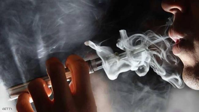السجائر الإلكترونية مؤذية حتى من دون نيكوتين