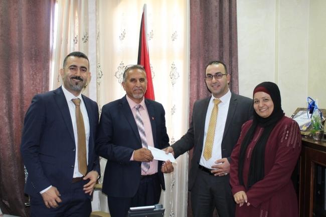 """""""الإسلامي الفلسطيني يدعم مدرسة بنات مسقط في أريحا"""