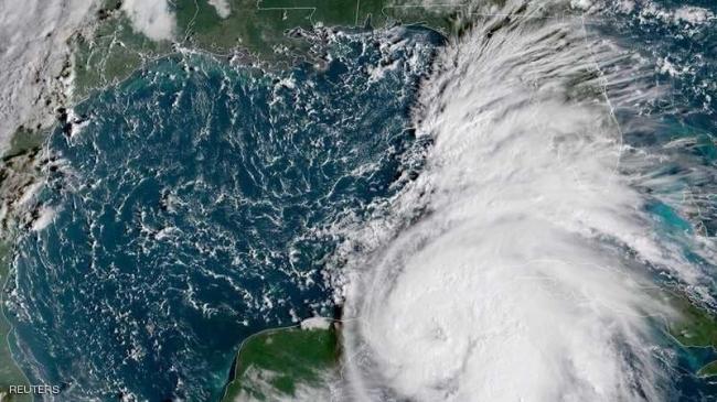 """العاصفة """"مايكل"""" تتحول لإعصار.. تأهب بأميركا والمكسيك وكوبا"""