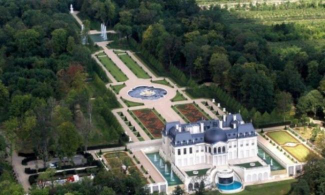 نيويورك تايمز: بن سلمان اشترى أغلى قصر بالعالم سرًا