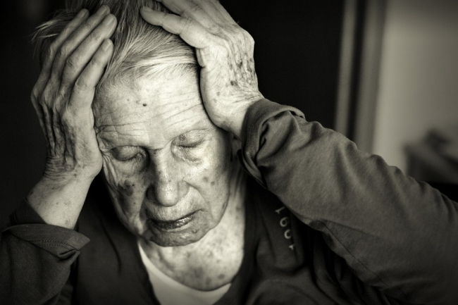 10 علامات وأعراض تخبرك بأنك مصاب بألزهايمر او أنت على وشك الإصابة