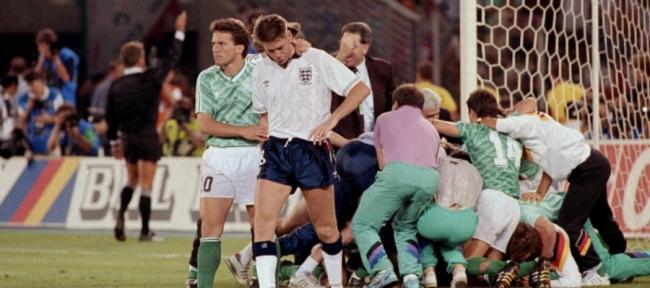 """هل سمعت باللاعب الذي """"تغوّط"""" خلال مباراة في كأس العالم؟ المشكلة أنه لم يخرج من الملعب، بل أكمل اللقاء!"""