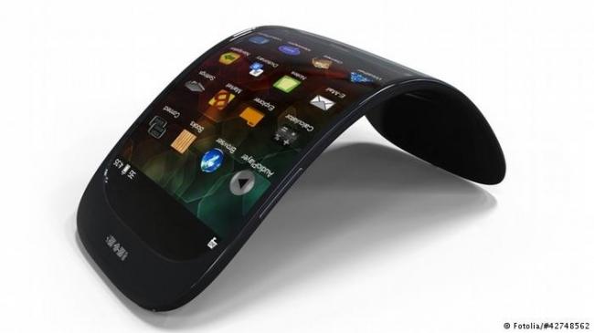 شاشات قابلة للطي... ثورة جديدة في الأجهزة الإلكترونية