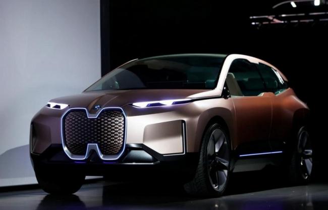 يمتلكان نصف أسهم «BMW» لكنهما يندبان حظهما، أغنى شقيقين بألمانيا يتساءلان: «من يريد تبادل مكانه معنا