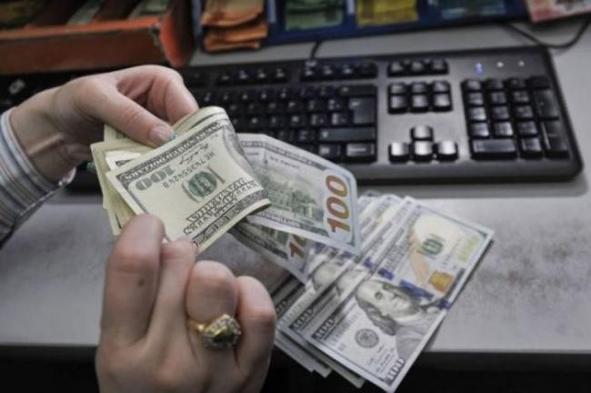الشيكل يعاود الهبوط بشدة أمام الدولار