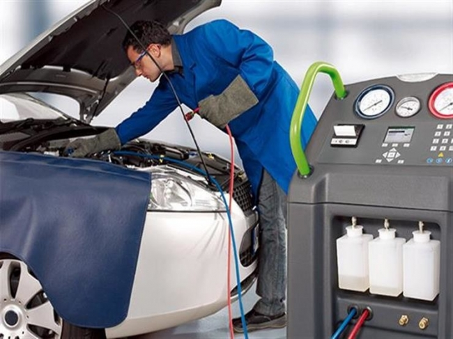 نصيحة مهمة لضمان أفضل أداء لمكيف السيارة في الأجواء الحارة