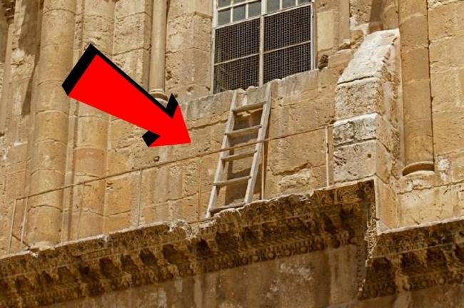 """ما قصة هذا السلم """"المحرم"""" في القدس؟"""