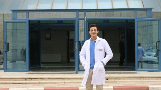 طالب طب من النجاح يحصل على منحة نادرة في جامعة هارفارد المرموقة