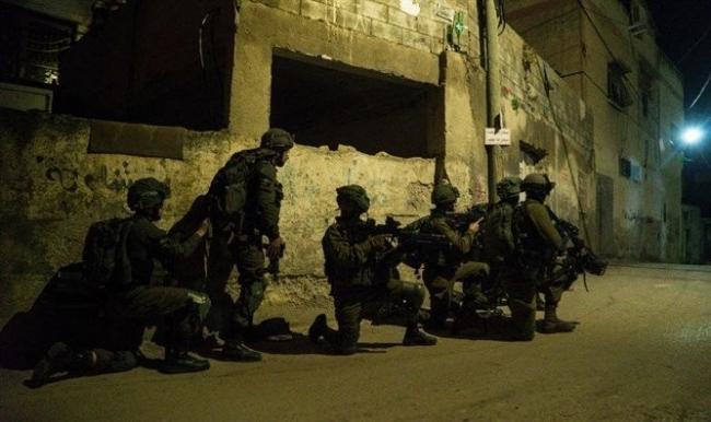 جيش الاحتلال يعلن محاصرة منفذ عملية سلفيت في منزل ببلدة عبوين