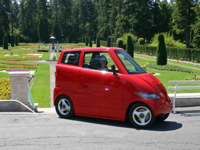 كلفة هذه السيارة الصغيرة تتعدى سعر لامبورجيني... والسبب لا يقنعنا!