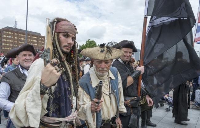 أمريكيون لكنهم لا ينطقون الإنجليزية.. جزيرة في كارولينا الشمالية سكانها يتحدثون لغة القراصنة