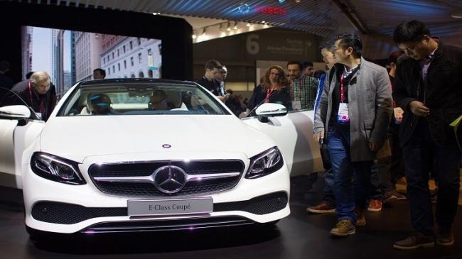 مرسيدس سحبت مليون سيارة بسبب مفتاح التشغيل