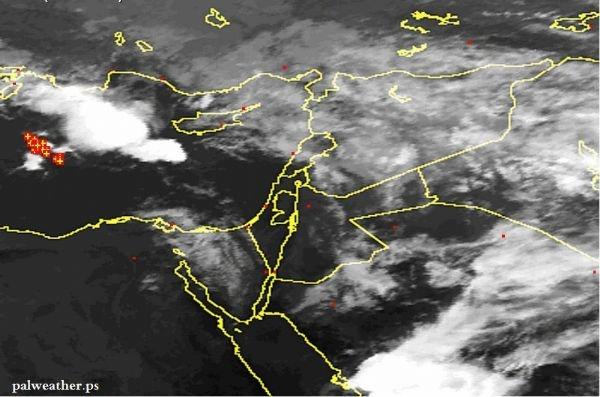 غيوم ركامية محملة بإلأمطار والعواصف الرعدية قرب فلسطين اليوم
