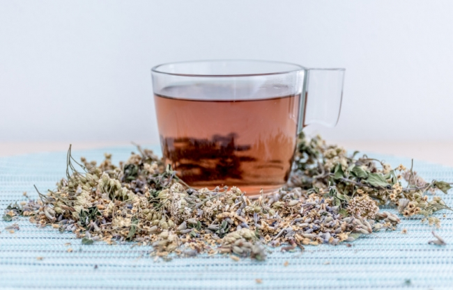 بخلاف رائحته العطرية القوية ..هذه مجموعة من الفوائد الصحية لشاي الزعتر