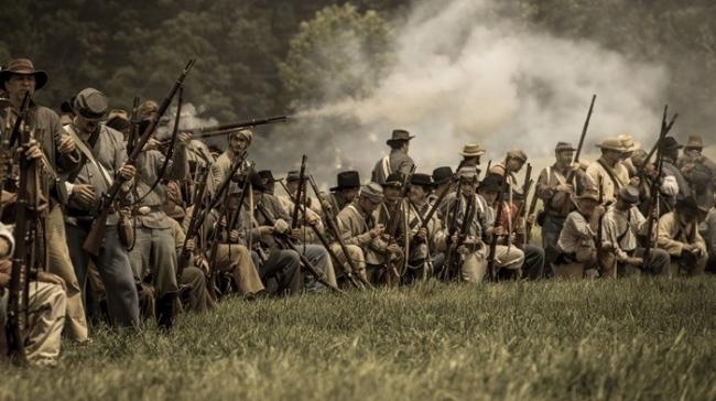 إحداها استمرت 350 عاماً دون إراقة نقطة دم واحدة.. أطول الحروب في التاريخ