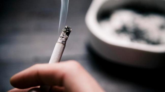 في 2024.. في هذا البلد السن القانونية للتدخين 100 عام!