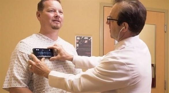 غطاء يحول أي آي فون إلى سماعة طبيب ذكية