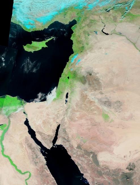 الأقمار الصناعية ترصد خلو المنطقة من السحب ..بإستثناء سواحل غزة !
