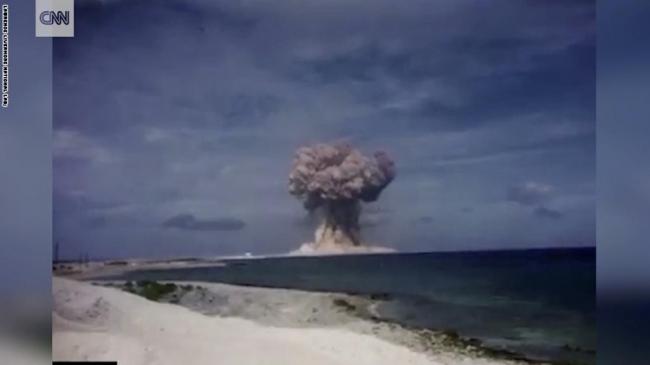 بالفيديو... أمريكا تفرج لإول مرة عن تسجيلات لتجارب نووية سرية وإنفجارات هائلة